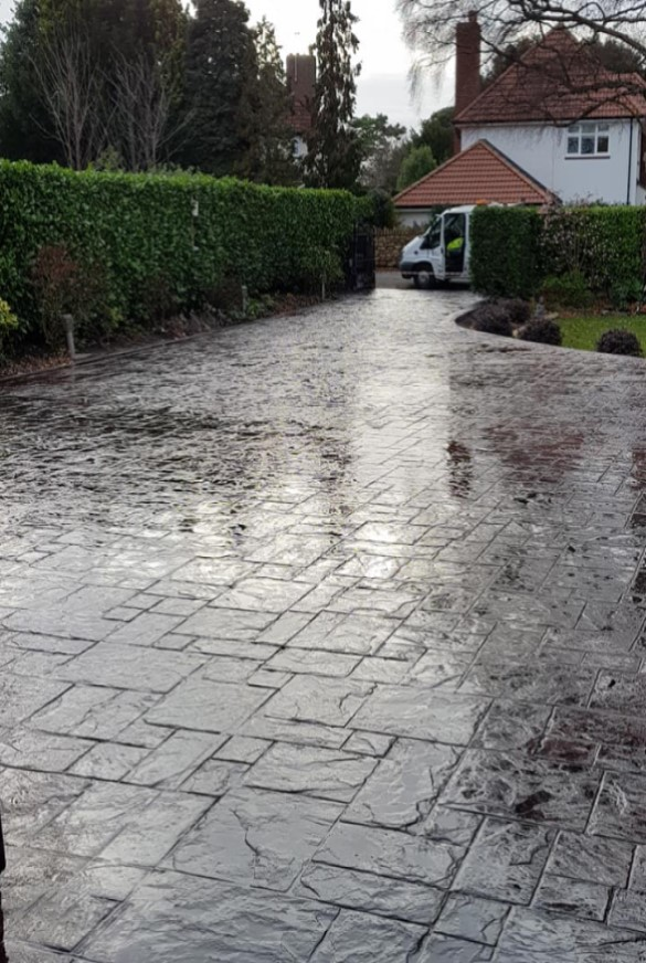 https://smartpavingbristol.co.uk/wp-content/uploads/2021/01/imprinted-concrete-services-1.jpg